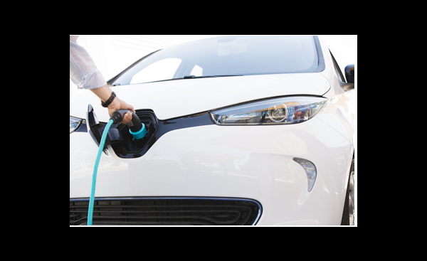 Det er blitt billigere å lease elbil