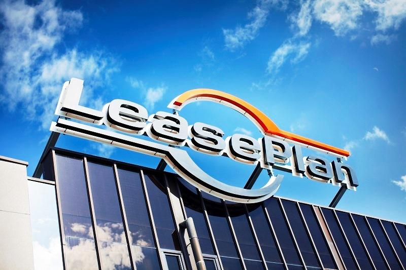 LeasePlan tar posisjon som global markedsleder med 1,5 millioner biler på veien